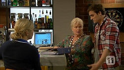 Georgia Brooks, Sheila Canning, Kyle Canning in Neighbours Episode 6983