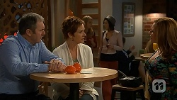Karl Kennedy, Susan Kennedy, Terese Willis in Neighbours Episode 6984