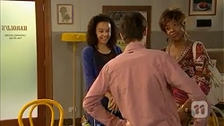 Alice Azikiwe, Bailey Turner, Layla Azikewe in Neighbours Episode 6984
