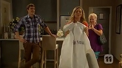 Kyle Canning, Georgia Brooks, Sheila Canning in Neighbours Episode 6985