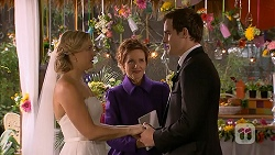 Georgia Brooks, Susan Kennedy, Kyle Canning in Neighbours Episode 6986