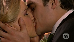 Georgia Brooks, Kyle Canning in Neighbours Episode 6986