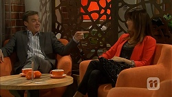 Paul Robinson, Dakota Davies in Neighbours Episode 6988