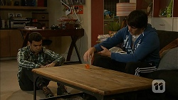 Nate Kinski, Chris Pappas in Neighbours Episode 6989