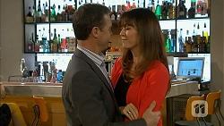 Paul Robinson, Dakota Davies in Neighbours Episode 6990