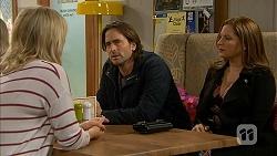 Lauren Turner, Brad Willis, Terese Willis in Neighbours Episode 6990