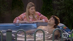 Amber Turner, Chris Pappas in Neighbours Episode 6992
