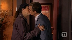 Dakota Davies, Paul Robinson in Neighbours Episode 6992