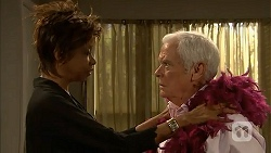 Layla Azikewe, Lou Carpenter in Neighbours Episode 6994