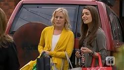 Lauren Turner, Paige Novak in Neighbours Episode 6997