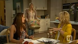Paige Smith, Amber Turner, Lauren Turner in Neighbours Episode 6997