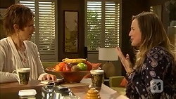 Susan Kennedy, Sonya Mitchell in Neighbours Episode 7000