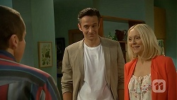 Toadie Rebecchi, Niklas Kruger, Gretchen Kruger in Neighbours Episode 7000