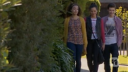 Alice Azikiwe, Paige Smith, Bailey Turner in Neighbours Episode 7002