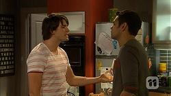 Chris Pappas, Nate Kinski in Neighbours Episode 7002