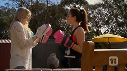 Amber Turner, Paige Smith in Neighbours Episode 7002