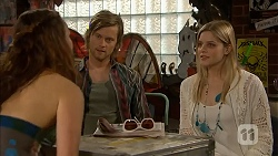 Rain Taylor, Daniel Robinson, Amber Turner in Neighbours Episode 7003