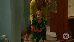 Georgia Brooks, Nell Rebecchi in Neighbours Episode 7004
