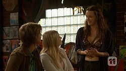 Daniel Robinson, Amber Turner, Rain Taylor in Neighbours Episode 7004