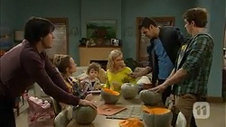Chris Pappas, Sonya Rebecchi, Nell Rebecchi, Georgia Brooks, Nate Kinski, Kyle Canning in Neighbours Episode 7005