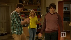 Kyle Canning, Georgia Brooks, Chris Pappas in Neighbours Episode 7005