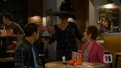 Nate Kinski, Sheila Canning, Susan Kennedy in Neighbours Episode 7005