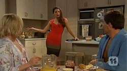Lauren Turner, Paige Novak, Matt Turner in Neighbours Episode 7007