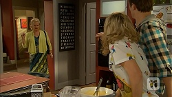 Sheila Canning, Georgia Brooks, Kyle Canning in Neighbours Episode 7010