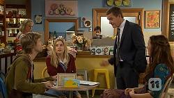 Lauren Turner, Daniel Robinson, Amber Turner, Paul Robinson, Rain Taylor in Neighbours Episode 7012