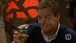 Paul Robinson in Neighbours Episode 7013