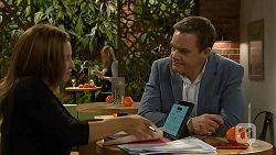 Terese Willis, Paul Robinson in Neighbours Episode 7014