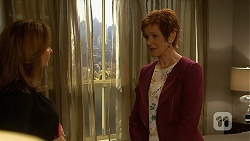 Terese Willis, Susan Kennedy in Neighbours Episode 7014