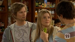 Daniel Robinson, Amber Turner, Chris Pappas in Neighbours Episode 7019