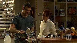 Nate Kinski, Susan Kennedy in Neighbours Episode 7020