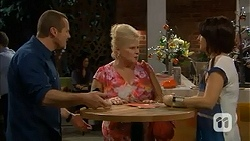 Toadie Rebecchi, Sheila Canning, Naomi Canning in Neighbours Episode 7021