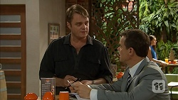 Gary Canning, Paul Robinson in Neighbours Episode 7026