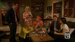 Paul Robinson, Georgia Brooks, Sheila Canning, Kyle Canning, Gary Canning, Naomi Canning in Neighbours Episode 7030