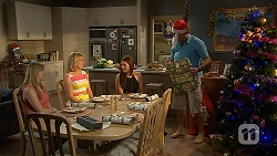 Amber Turner, Lauren Turner, Paige Smith, Matt Turner in Neighbours Episode 7030