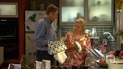 Gary Canning, Sheila Canning in Neighbours Episode 7030