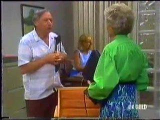 Rob Lewis, Jane Harris, Helen Daniels in Neighbours Episode 0454