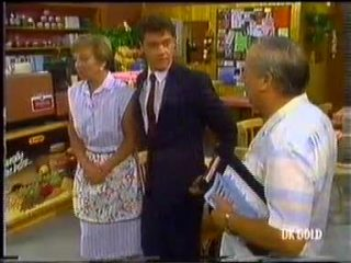 Eileen Clarke, Paul Robinson, Rob Lewis in Neighbours Episode 0454