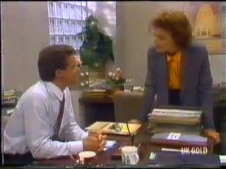 Paul Robinson, Gail Robinson in Neighbours Episode 0455