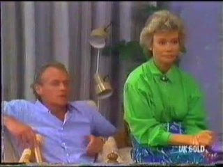 Jim Robinson, Helen Daniels in Neighbours Episode 0455