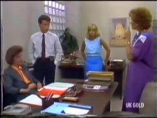 Gail Robinson, Paul Robinson, Jane Harris, Madge Bishop in Neighbours Episode 0456