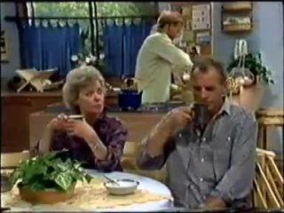 Helen Daniels, Scott Robinson, Jim Robinson in Neighbours Episode 0458