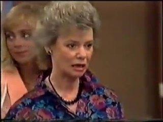 Jane Harris, Helen Daniels in Neighbours Episode 0458