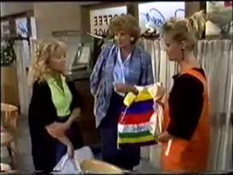 Charlene Mitchell, Madge Bishop, Daphne Clarke in Neighbours Episode 0460