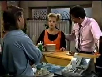 Mike Young, Daphne Clarke, Des Clarke in Neighbours Episode 0460