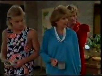 Scott Robinson, Madge Bishop, Henry Ramsay in Neighbours Episode 0461