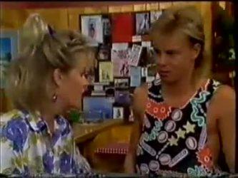 Daphne Clarke, Scott Robinson in Neighbours Episode 0461